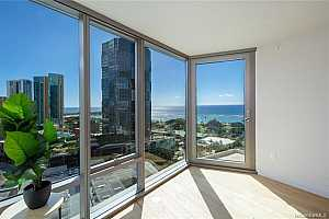 MLS # 201900198 : 1001 QUEEN STREET  UNIT 1806