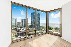 MLS # 201901130 : 1001 QUEEN STREET  UNIT 2202