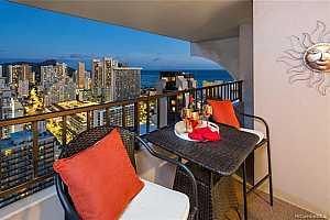 MLS # 201919297 : 2240 KUHIO AVENUE  UNIT 3106