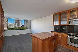 MLS # 201923657 : 411 HOBRON LANE #912