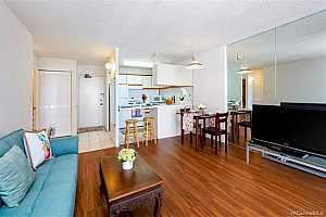 MLS # 201926388 : 475 ATKINSON DRIVE  UNIT 1402