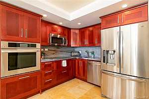 MLS # 201927163 : 2140 KUHIO AVENUE  UNIT 2210