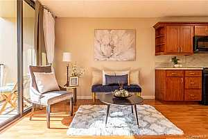 MLS # 201932609 : 411 HOBRON LANE #609