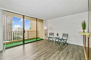 MLS # 201933011 : 411 HOBRON LANE #2501
