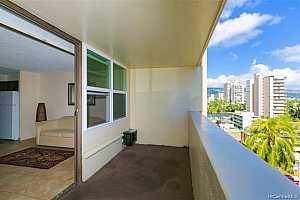 MLS # 202002494 : 2092 KUHIO AVENUE #903