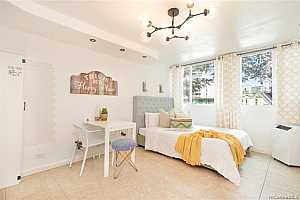 MLS # 202012737 : 134 KAPAHULU AVENUE #302