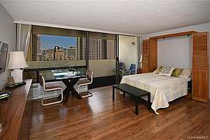 MLS # 202014636 : 2092 KUHIO AVENUE #2001