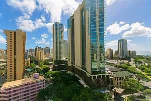 MLS # 202024621 : 2092 KUHIO AVENUE #1902