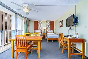 MLS # 202025664 : 2427 KUHIO AVENUE #2208