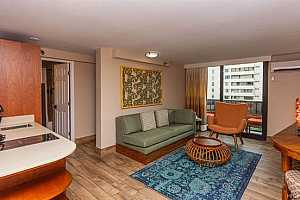 MLS # 202029786 : 2425 KUHIO AVENUE #607