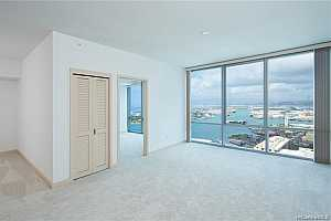 More Details about MLS # 202121884 : 555 SOUTH STREET #4307