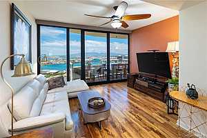 More Details about MLS # 202123804 : 600 QUEEN STREET #4007