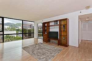 More Details about MLS # 202124245 : 1114 PUNAHOU STREET #6A