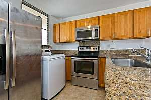 More Details about MLS # 202124299 : 1716 KEEAUMOKU STREET #206