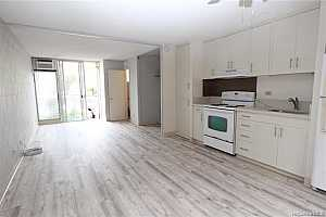 More Details about MLS # 202126439 : 2140 10TH AVENUE #105
