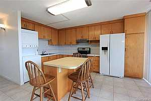 Browse active condo listings in NA PALI GARDENS