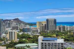 Browse active condo listings in WAIKIKI