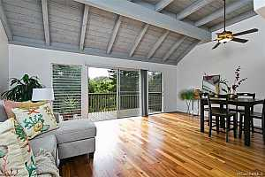 Browse active condo listings in CLUB VIEW GARDENS