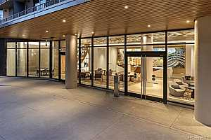 Browse active condo listings in AALII