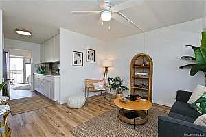 Browse active condo listings in PUNCHBOWL-LOWER
