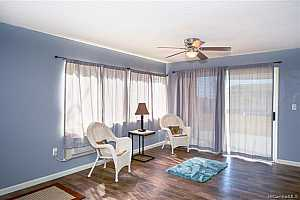 Browse active condo listings in KULANA KNOLLS