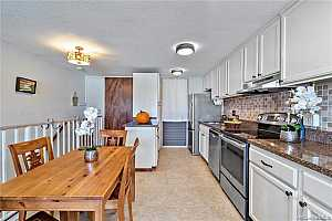 Browse active condo listings in MAKAHA